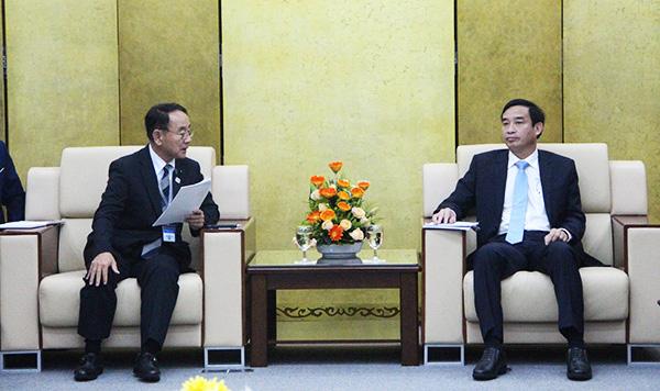Phó Chủ tịch UBND thành phố Lê Trung Chinh chủ trì buổi tiếp đoàn Nghị viên Hội đồng tỉnh Shizuoka, do ông Toudou Yoichi làm Trưởng đoàn