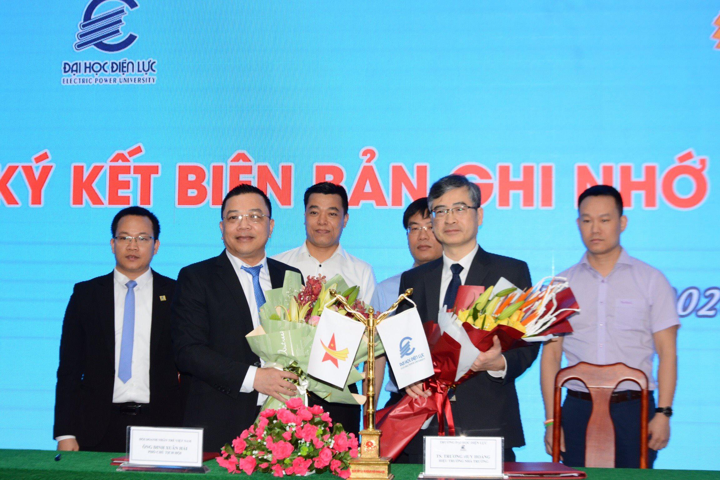 Hội Doanh nhân trẻ Việt Nam triển khai dự án sản xuất máy trợ thở